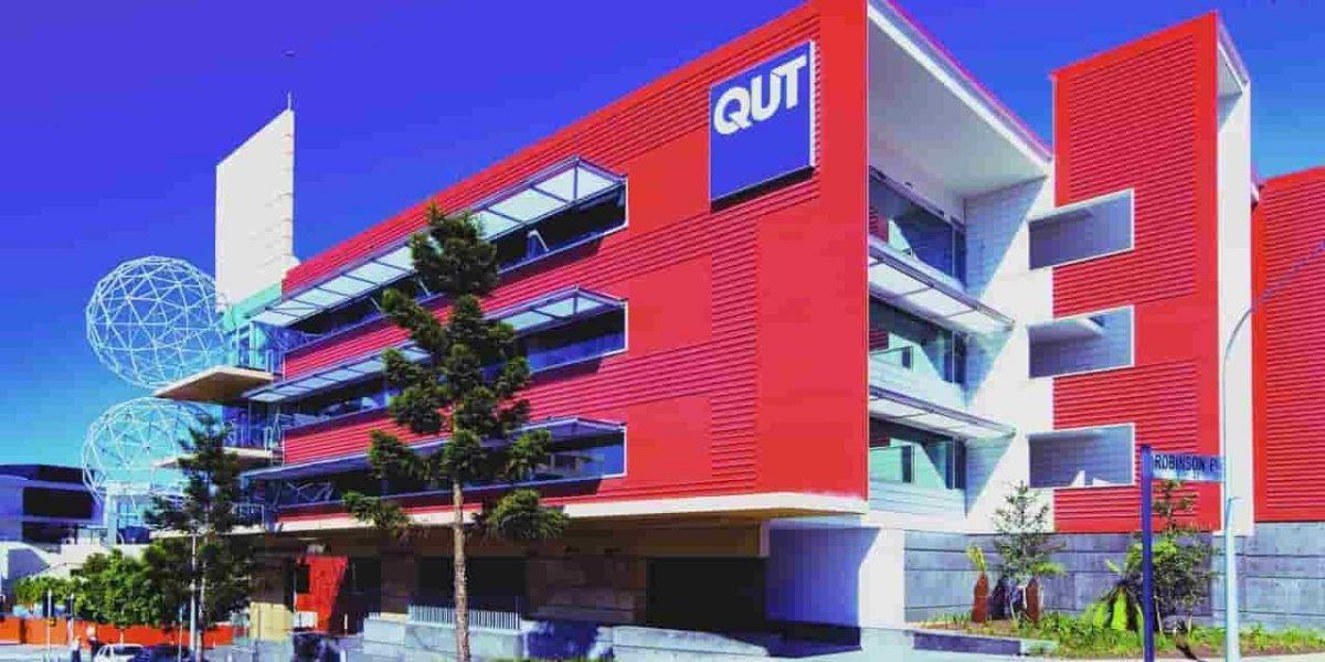 منحة جامعة كوينزلاند للتكنولوجيا لدراسة البكالوريوس والدراسات العليا في أستراليا