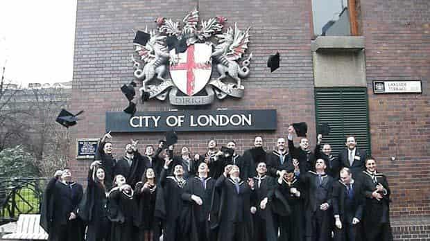 منحة جامعة سيتي لندن في المملكة المتحدة للحصول على الدكتوره 2021 (ممولة جزئياَ)