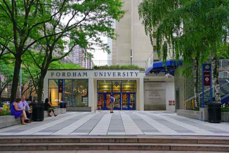 منحة جامعة فوردهام في أمريكا للحصول على البكالوريوس 2021 (ممولة)