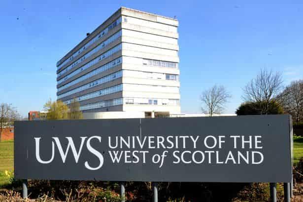 منحة جامعة غرب اسكتلندا للحصول على البكالوريوس في المملكة المتحدة 2021