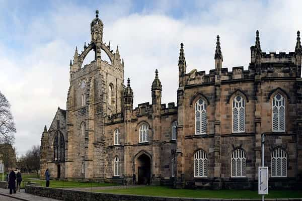 منح دراسية بالمملكة المتحدة لدراسة الماجستير في كلية الحقوق جامعة أبردين
