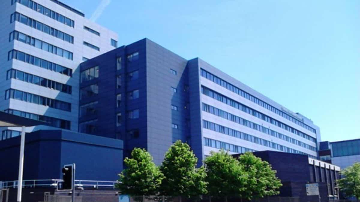 منحة جامعة ليفربول جون موريس لدراسة البكالوريوس في المملكة المتحدة 2020