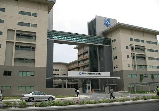 منح جامعة موناش للحصول على الماجستير في ماليزيا 2021