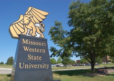 منحة جامعة ولاية ميسوري الغربية لدراسة البكالوريوس الولايات المتحدة الأمريكية 2021
