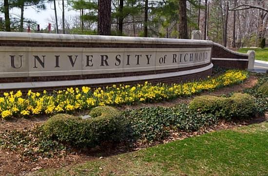 منحة جامعة ريتشموند لدراسة البكالوريوس في الولايات المتحدة الأمريكية 2021 (ممولة)
