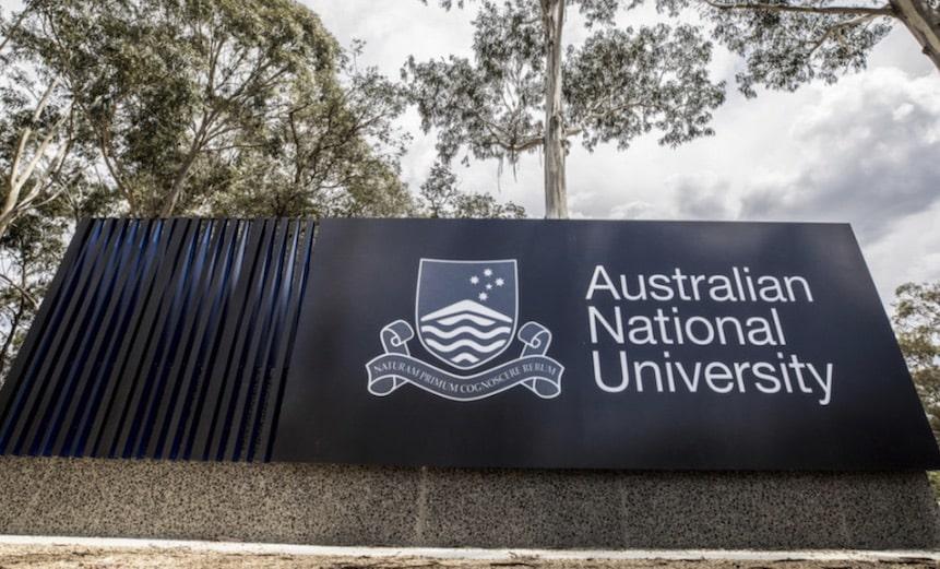 منحة الجامعة الوطنية الأسترالية للدراسات العليا في القانون 2021