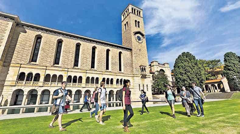 احصل على منحة لدراسة ماجستير إدارة الأعمال MBA من جامعة أستراليا الغربية 2021