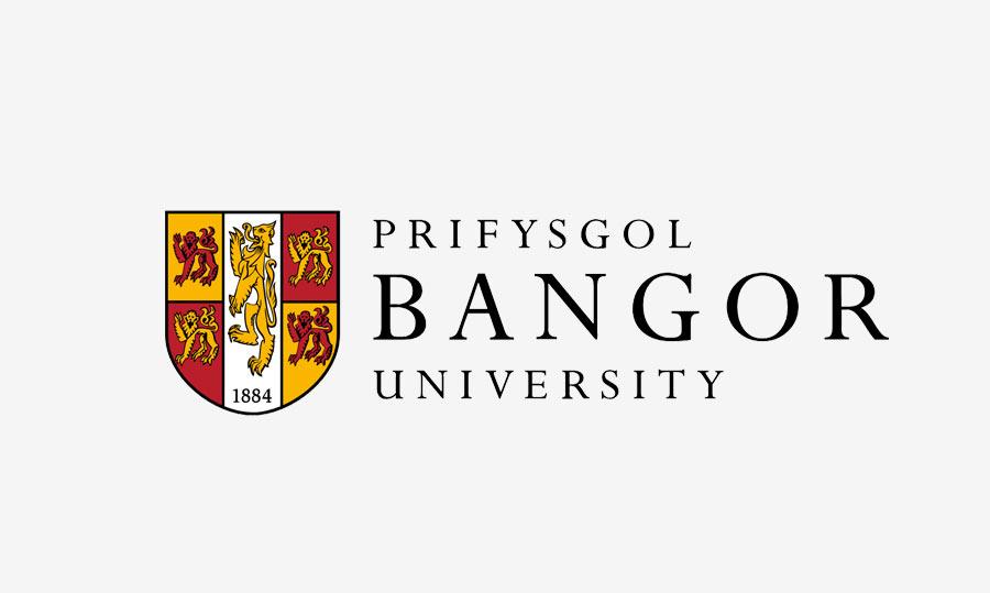 منح جامعة بانجور لدراسة البكالوريوس والماجستير في المملكة المتحدة 2021