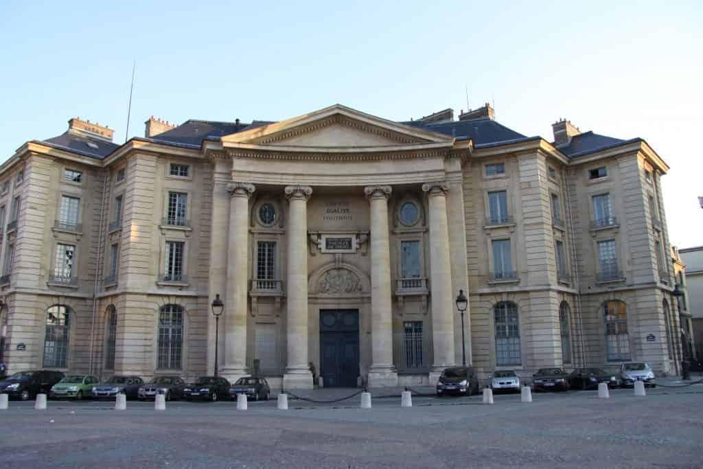 منحة جامعة باريس لدراسة الماجستير في فرنسا 2021