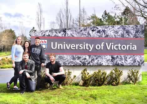 منح جامعة فيكتوريا لدراسة البكالوريوس في كندا 2021