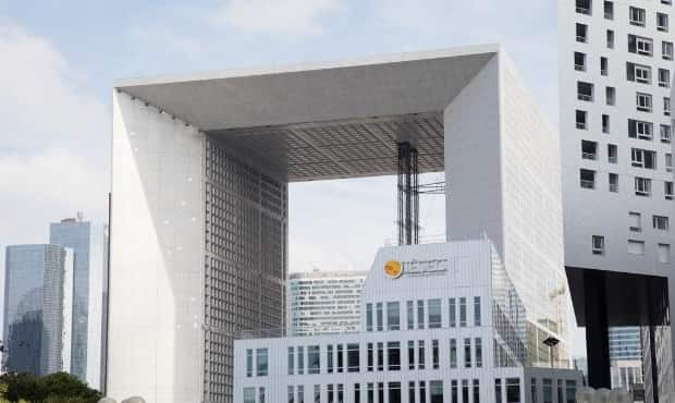 منحة IESEG School of Management لدراسة الماجستير في فرنسا 2021