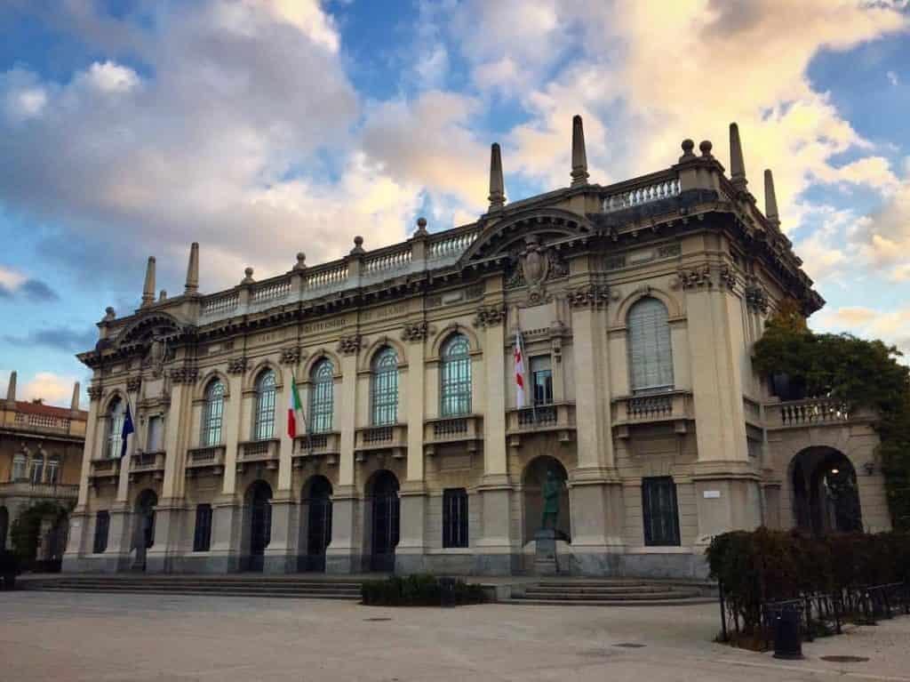 منحة جامعة بوليتكنيكو دي ميلانو لدراسة درجة الدكتوراة في إيطاليا 2021 (ممولة)