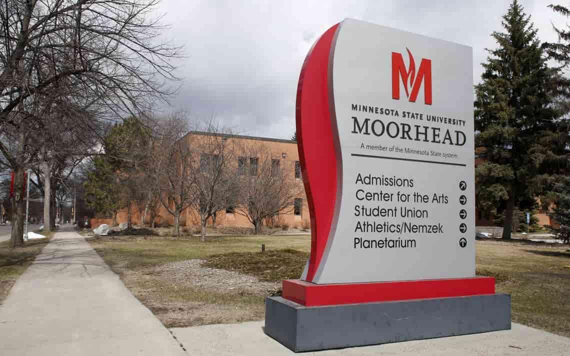 منحة جامعة ولاية مينيسوتا مورهيد لدراسة البكالوريوس في الولايات المتحدة الأمريكية 2021