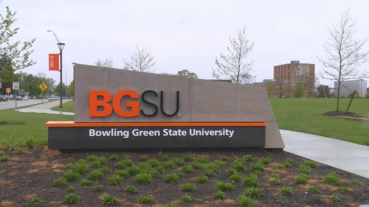 منحة جامعة بولينج جرين ستيت لدراسة البكالوريوس والدراسات العليا بالولايات المتحدة الأمريكية 2021