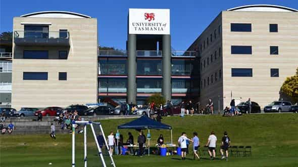 المنح الدراسية في جامعة تسمانيا لدراسة البكالوريوس والماجستير في أستراليا 2022/2023